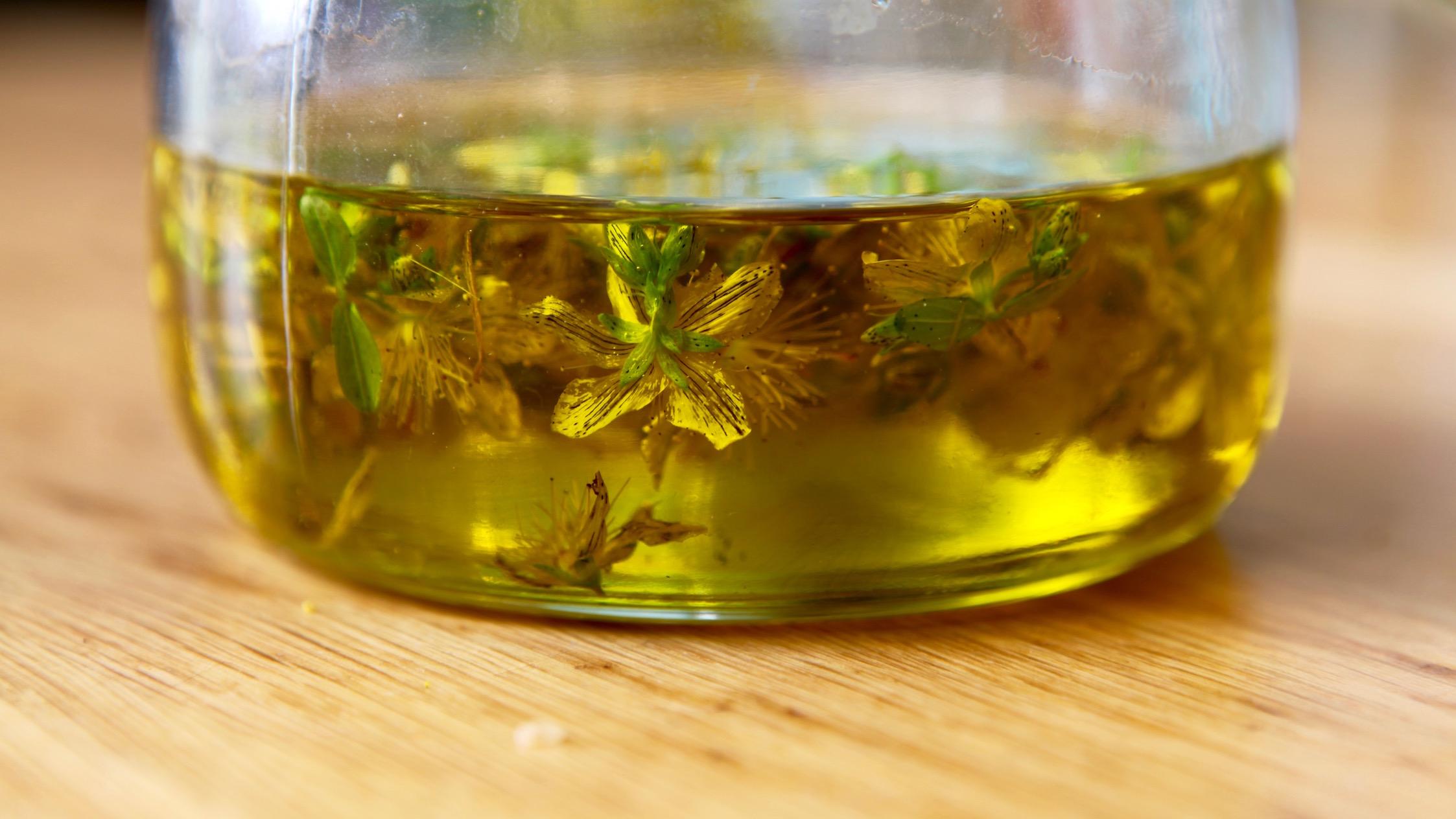 Faire son huile de millepertuis soi-même