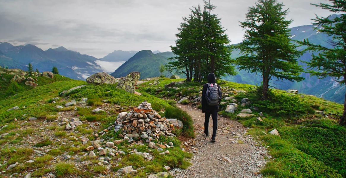 Arom'astuce : la trousse aroma en randonnée