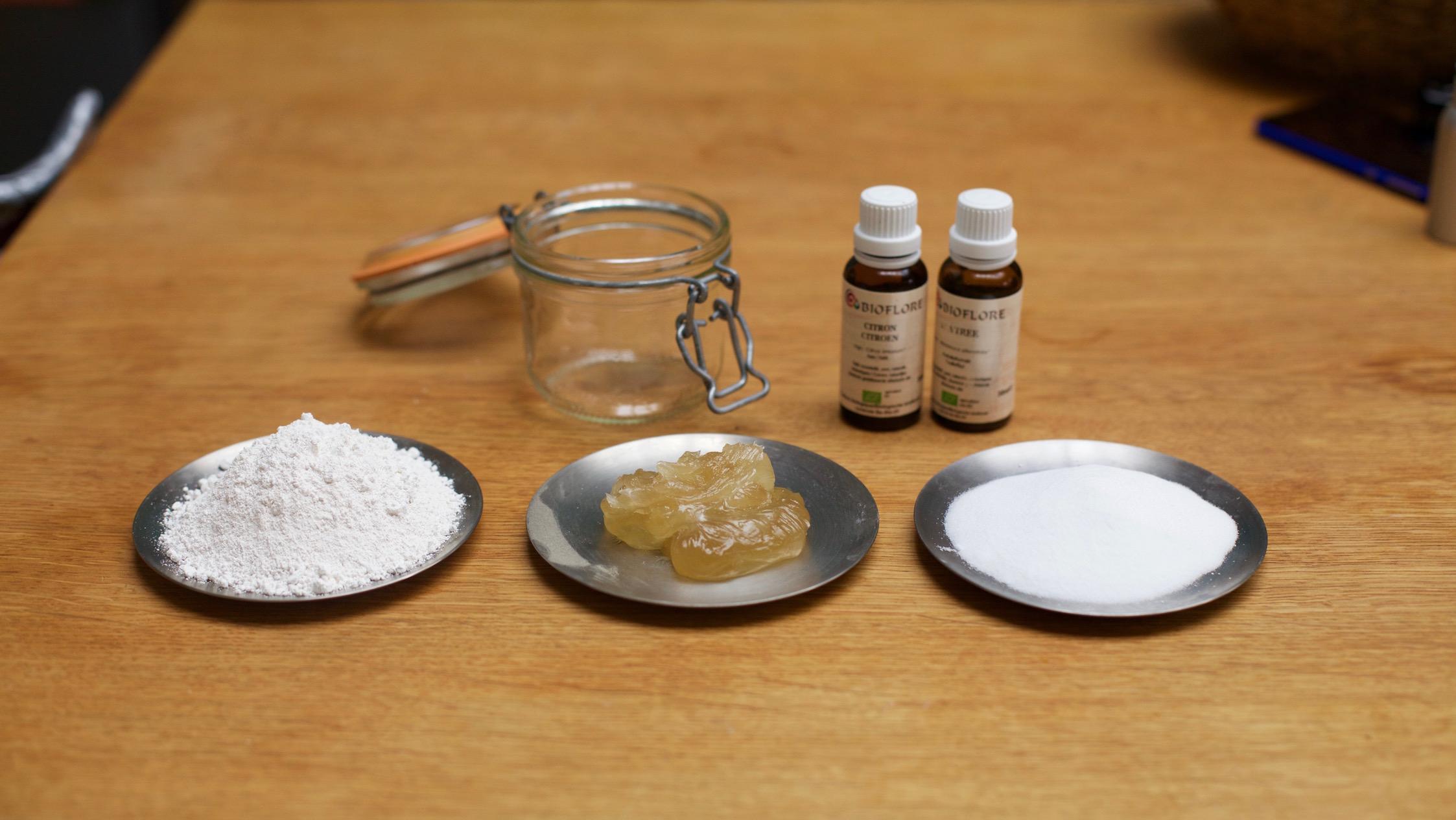 Ingredients pour la pierre d'argile maison