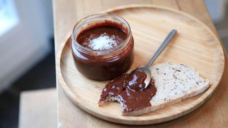 Une pâte à tartiner choco-noisette facile à faire et saine