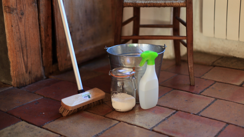 3 recettes pour laver ses sols au naturel