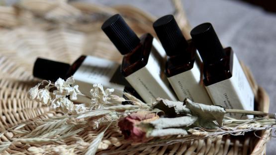 Lutter contre le stress du confinement avec les huiles essentielles
