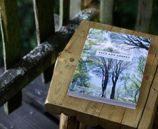 Face aux arbres : critique de livre